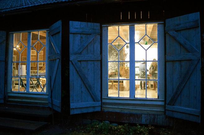 Tittar du noga efter kan du se granarna från Fina fönster del 102 också på denna bild.