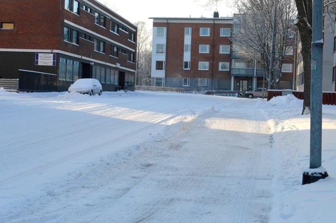 Går längs Östra Tullgatan mot Chiewitzgatan och tar där till vänster.
