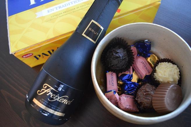 Ett nyår ska man väl alltid börja med skumpa och choklad? :-D