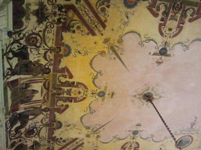 Om jag minns rätt fanns det här taket i vårt hotell Westminster, men helt säker är jag inte längre.