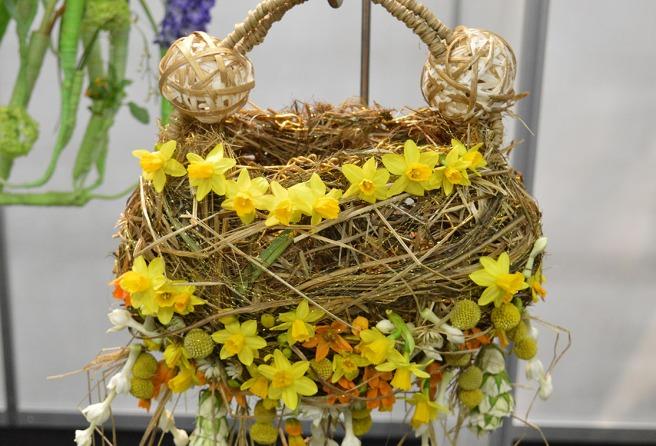 På mässan i Tammerfors arrangerades tävling i blomsterbinderi, det här var ett av bidragen.