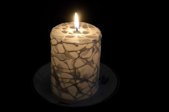 Och så här ser det ut då det brinner i mörkret.