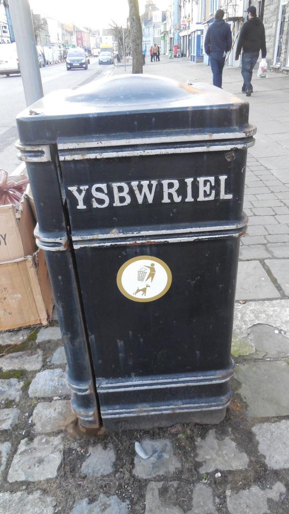 """Ordet """"skräp"""" på walesiska."""