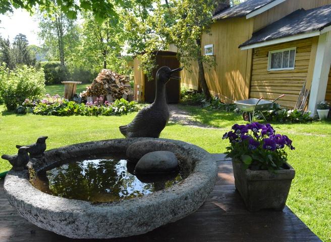 På söndag är femton trädgårdar i Lovisa öppna för allmänheten.