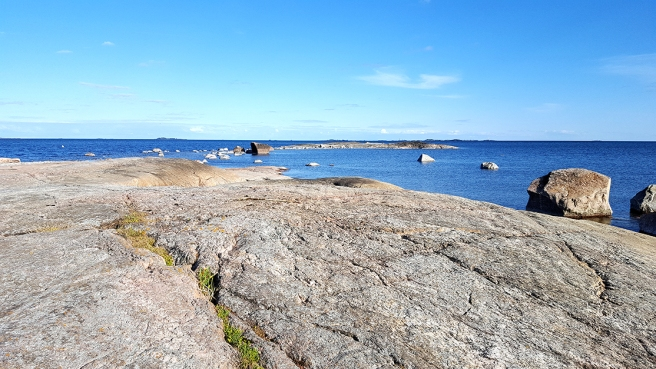 Klippor på Fagerö i Sibbo. Karga landskap som det här är något bland det bästa jag vet.