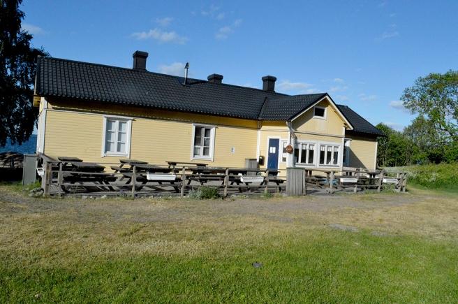 Restaurangen var tyvärr stängd på Fagerö just då som vi var där.
