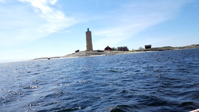 När vi lämnade Söderskär fyr blåste det bara måttligt. Ett par timmar senare bortåt 15 m/sek i byarna.