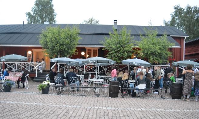 Ljust ute ännu vid 22.30-tiden då vi lämnade Restaurang Saltbodan.