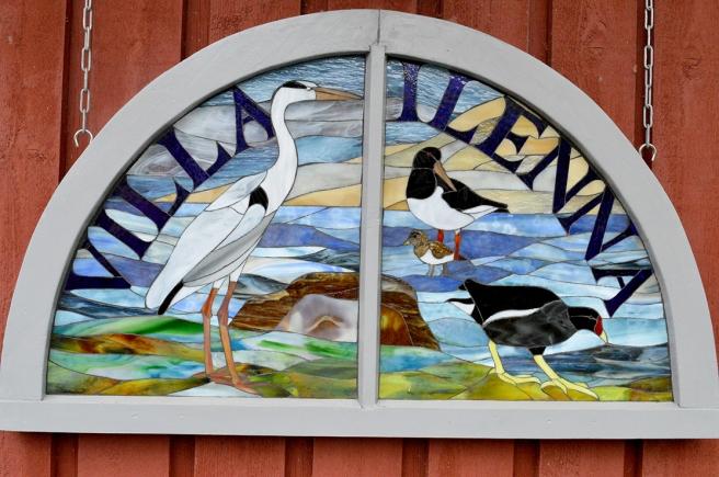 På Villa Ilennas gård kan man också beundra mosaikarbeten.