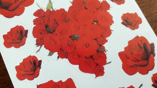 Helgen är späckad med program och mycket har rosor som tema.
