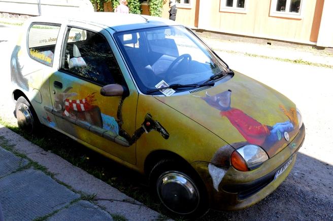 En konstnärs bil i Lovisa.