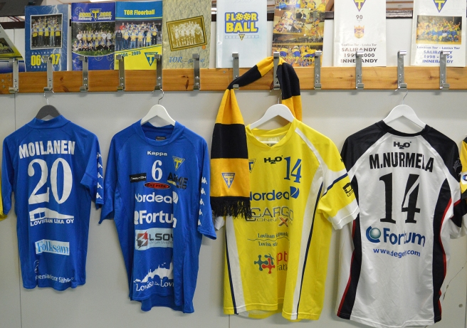 Gamla spelarskjortor och programblad fanns utställda i idrottshallen.
