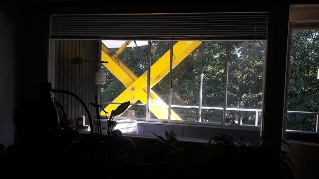 File X, vad händer utanför fönstret?