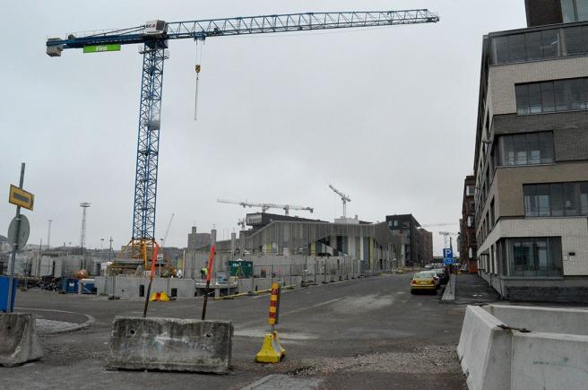 Det är inte hit till Fiskehamnen jag ska i dag, men i Helsingfors byggs det massor just nu.