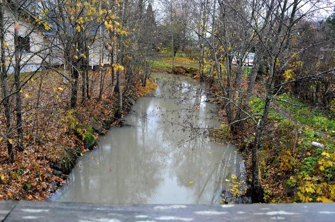 I stadsdelen Garnison finns två åar. Förgreningen av ån gör att då de två delarna går samman igen lite längre fram
