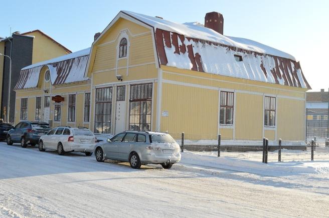 Almska Gården ligger invid finska skolcentret.