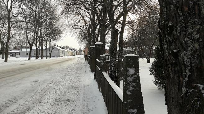 Inte mycket liv på Mariegatan nu, annat är det under Lovisa Historiska Hus.